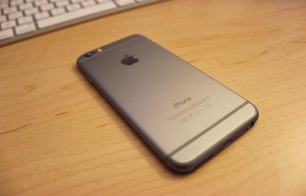 Смартфон iPhone 6C