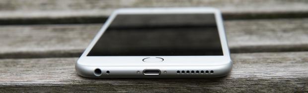 Порт Lightning в iPhone 6 Plus