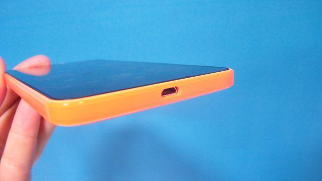 Порт MicroUSB на Microsoft Lumia 640