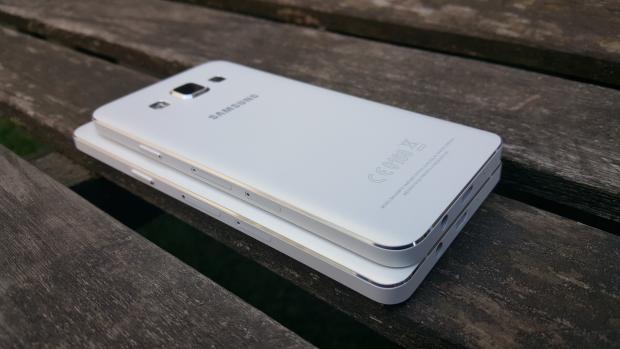 Сравнение размеров Galaxy A5 и Galaxy A3