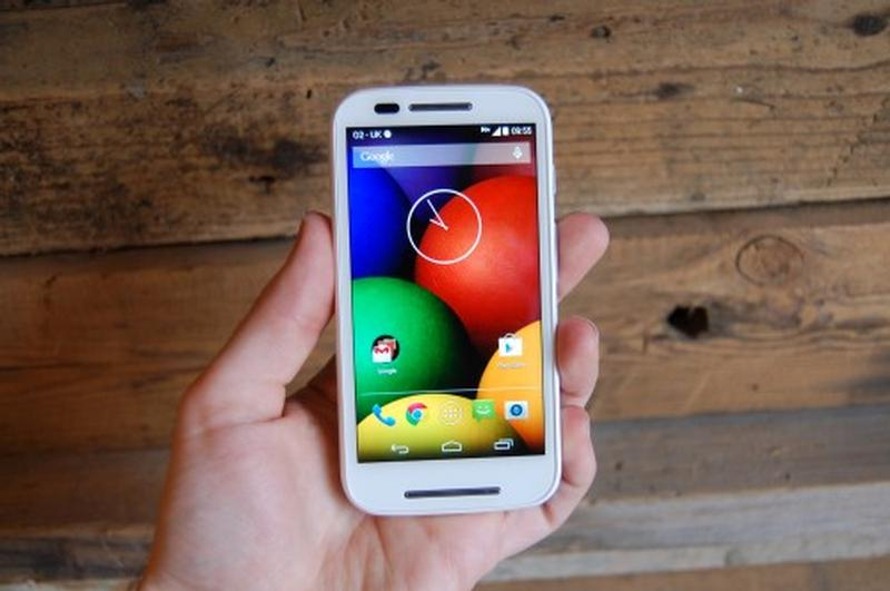 Бюджетный смартфон Motorola Moto E