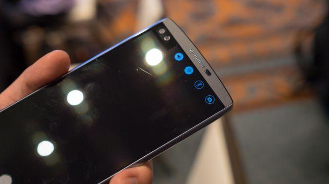 Двойной дисплей LG V10