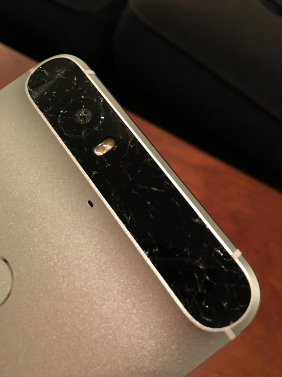 Huawei Nexus 6P. Бьется стекло