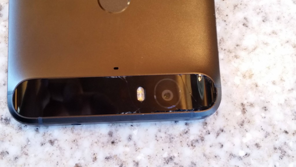 Huawei Nexus 6P. Крошится стекло