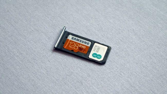 Карта MicroSD для Samsung Galaxy S7