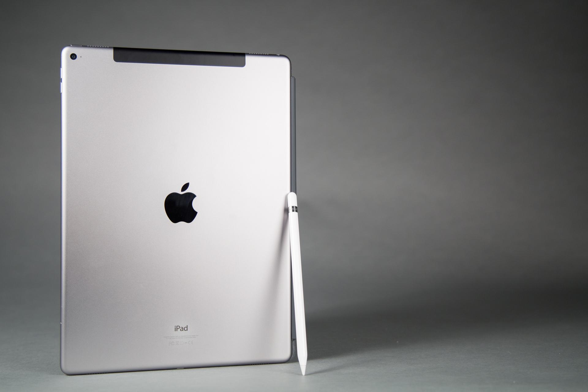 Лучший планшет 2016 - Apple iPad Pro