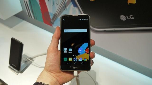 Предварительный обзор LG Stylus 2