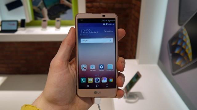 Предварительный обзор LG X Screen