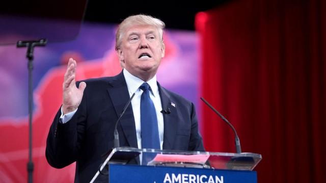 Трамп предлагает бойкотировать Apple