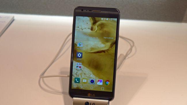 MWC 2016. LG X Cam
