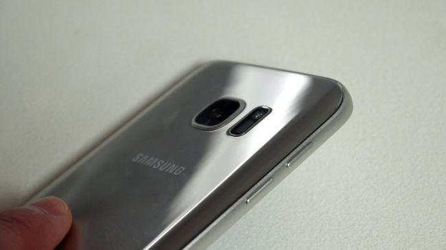 Samsung Galaxy S7 против воды