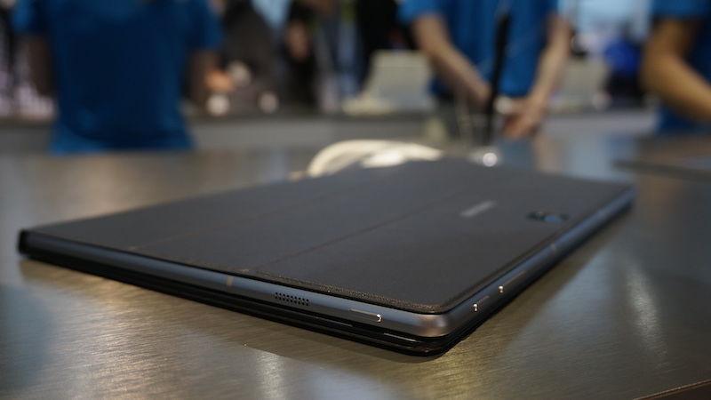 Samsung Galaxy TabPro S на CES 2016