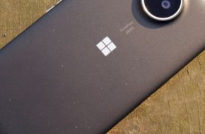 Microsoft намекает на Surface Phone